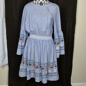 ***Eloquii bell sleeve embroidered dress size 16